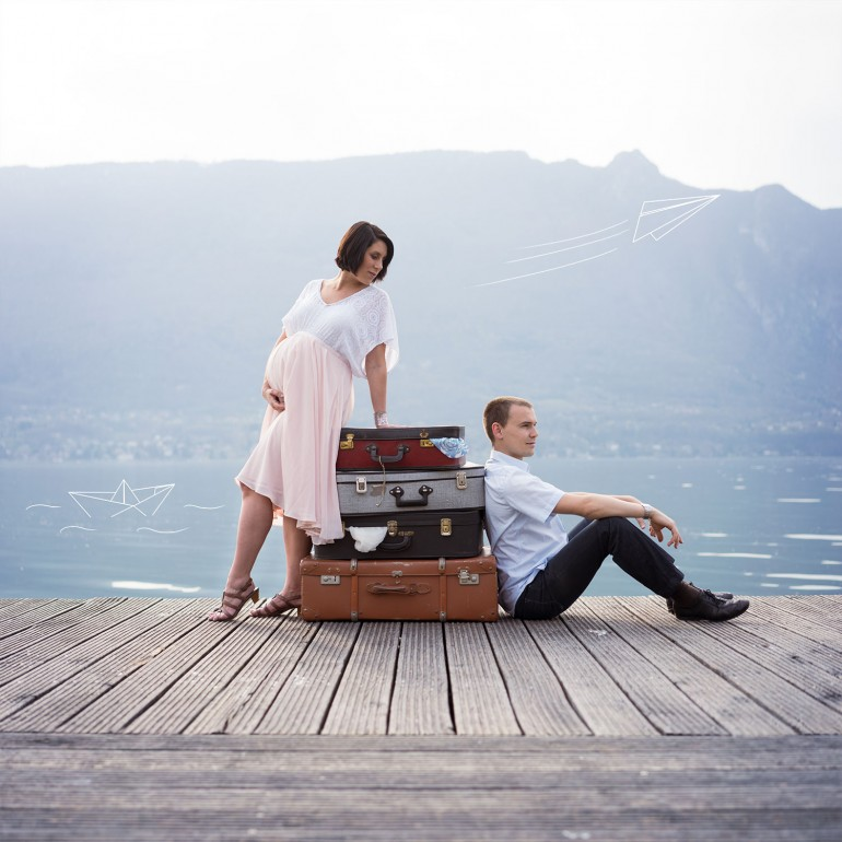 Couple pregnancy photo shoot travel theme - Photographer in Berlin Geneva