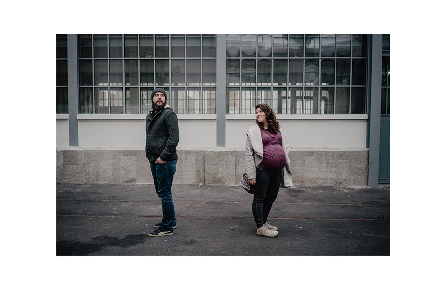 Natural urban pregnancy maternity couple photosession in the city- Photographer in Berlin Geneva
