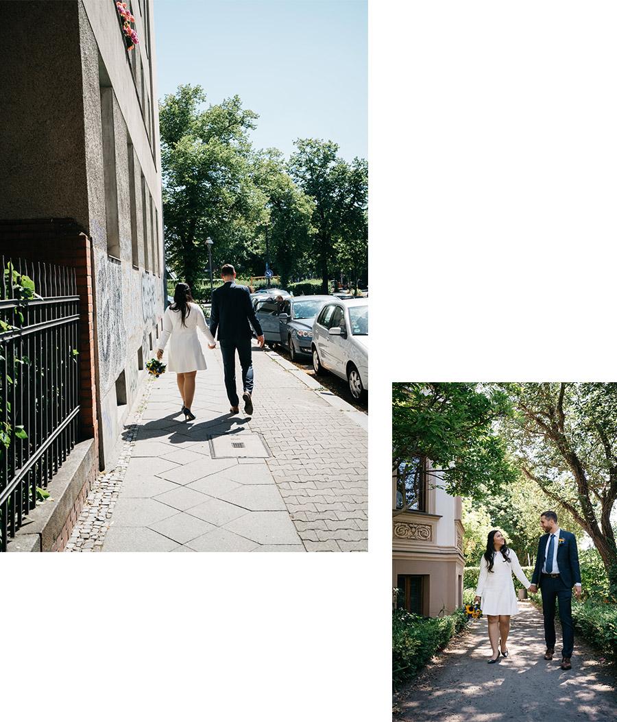 Newly weds walking in the streets – Simple wedding in Berlin Standesamt Charlottenburg Wilmersdorf – Hochzeit Fotograf