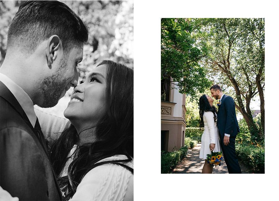 Natural simple couple photo – Simple wedding in Berlin Standesamt Charlottenburg Wilmersdorf – Hochzeit Fotograf
